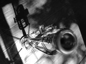 trumpet b&w